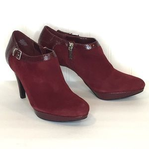 BANDOLINO Channing Burgundy Suede Booties Size 8.5